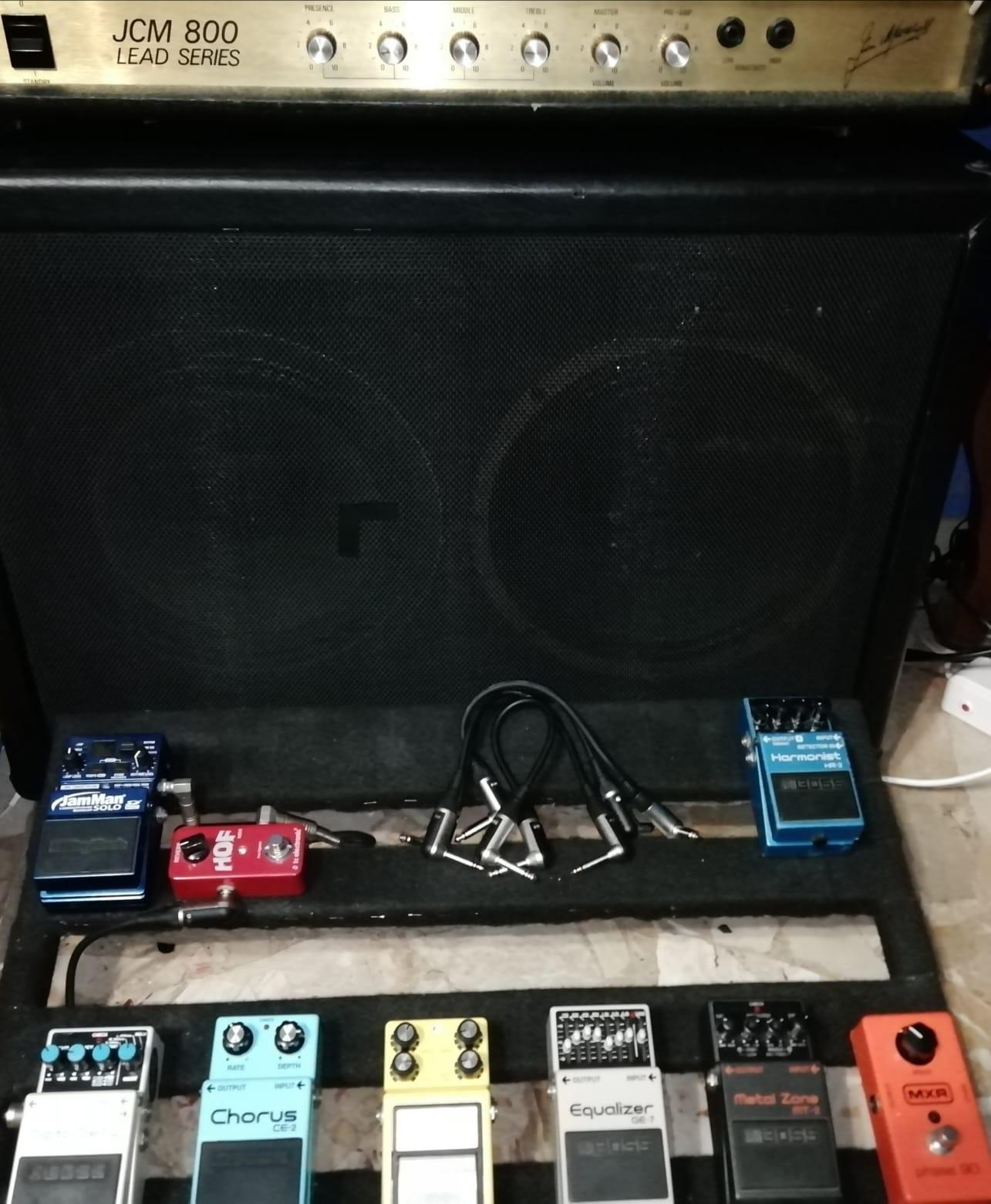 Rumore pedalboard: si và di powerbank?
