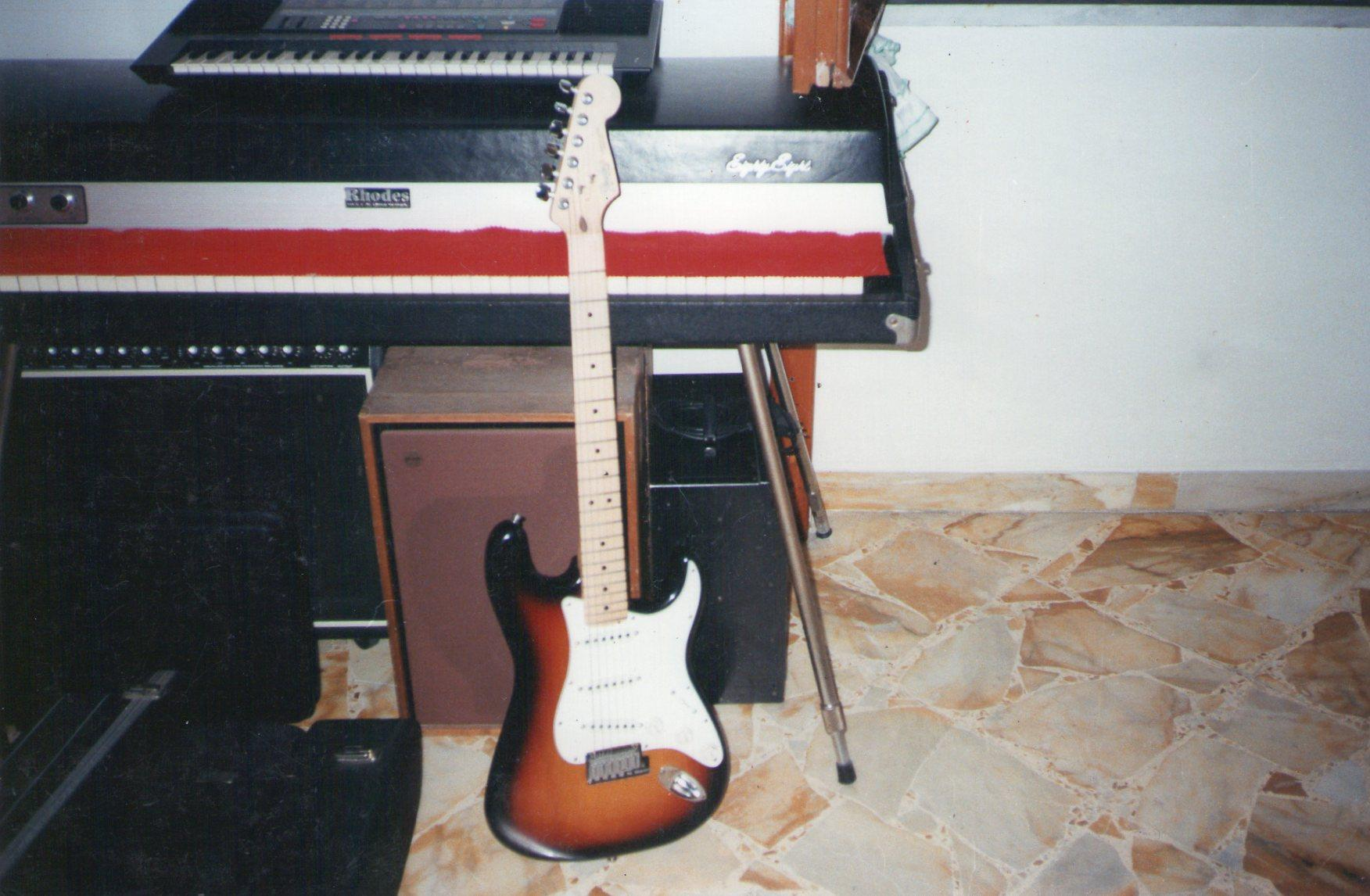 Le Fender Stratocaster Made in Korea by Samick.