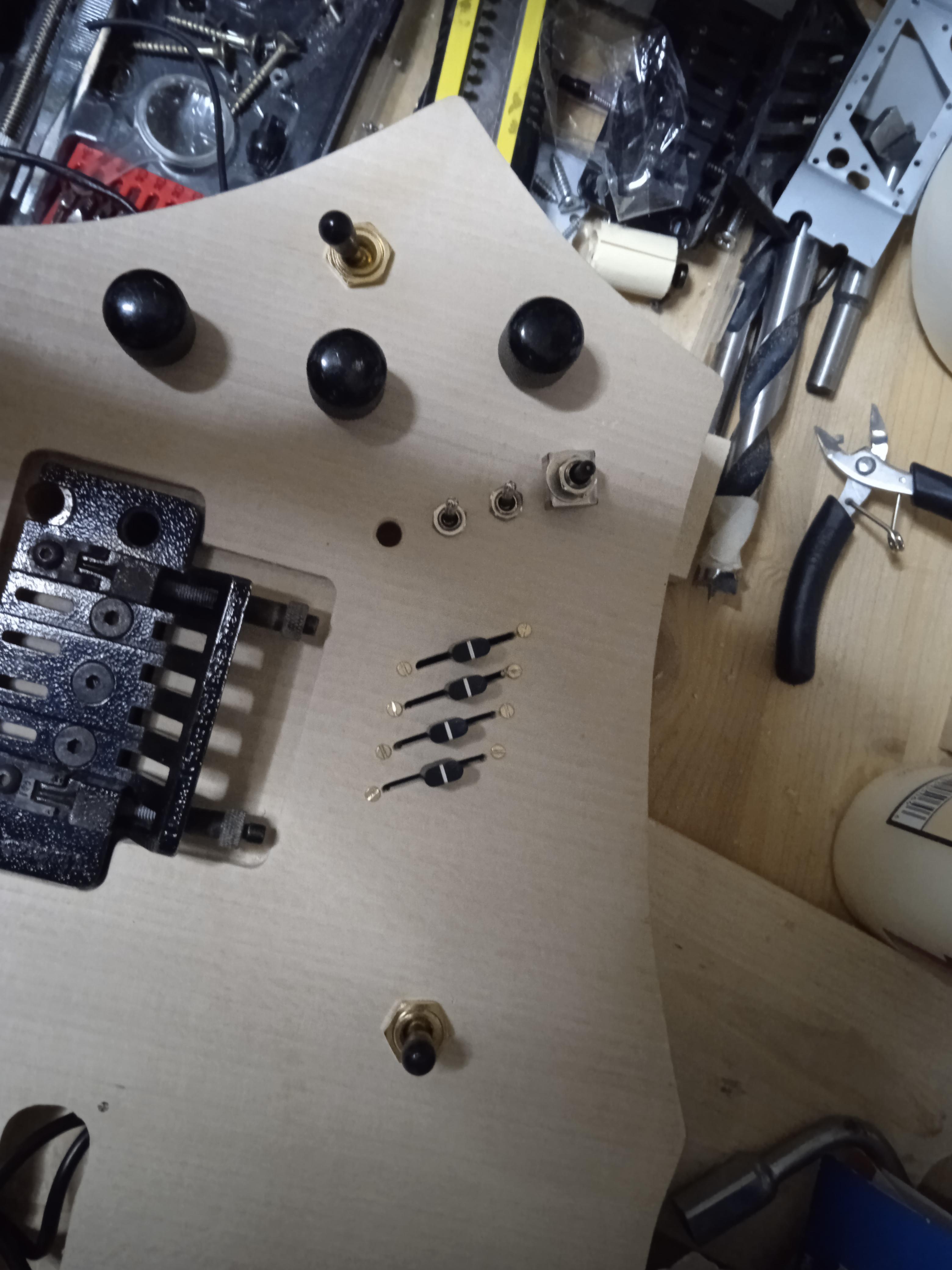 mio nuovo progetto chitarra doppio manico
