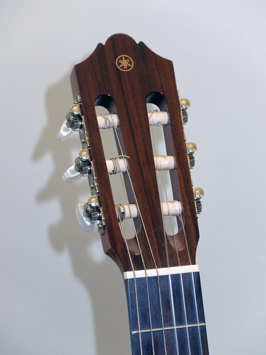 Strumento 18: Yamaha CG142C