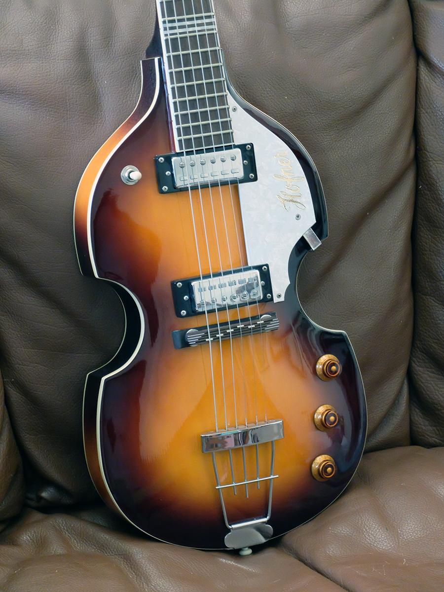 Strumento 9: Hofner Ignition Violin Guitar