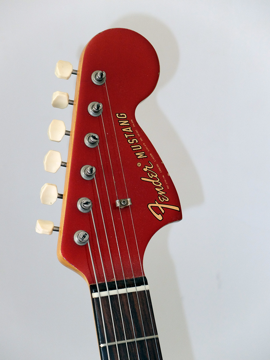 Strumento 13: Fender Competition Mustang 1968
