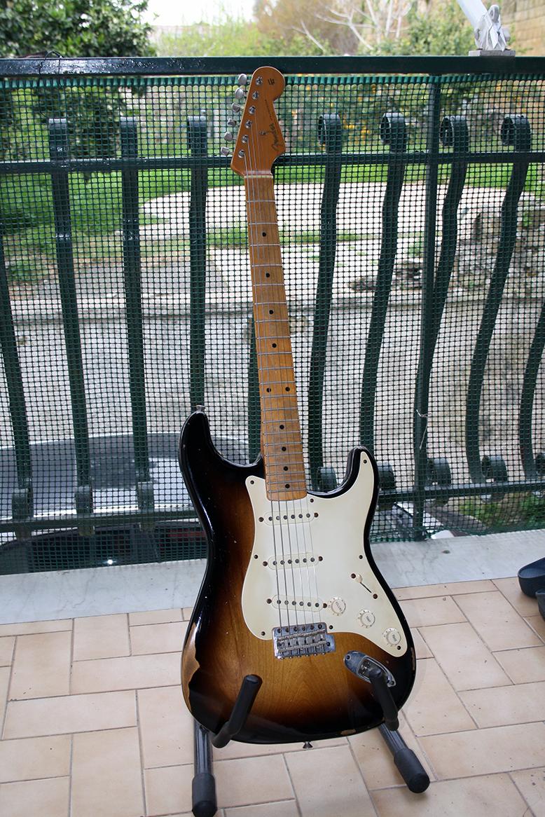 Strumento 4: Fender Stratocaster Road Worn 50's