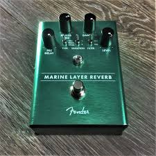 "Pedali Fender ... ""MARINE LAYER REVERB"""