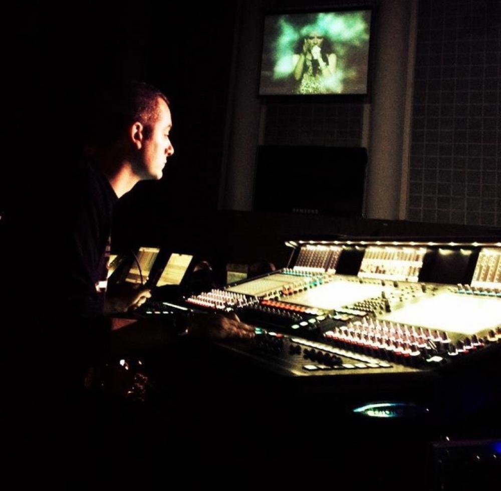 Marco Monforte: il fonico tramite tra artista e tecnica