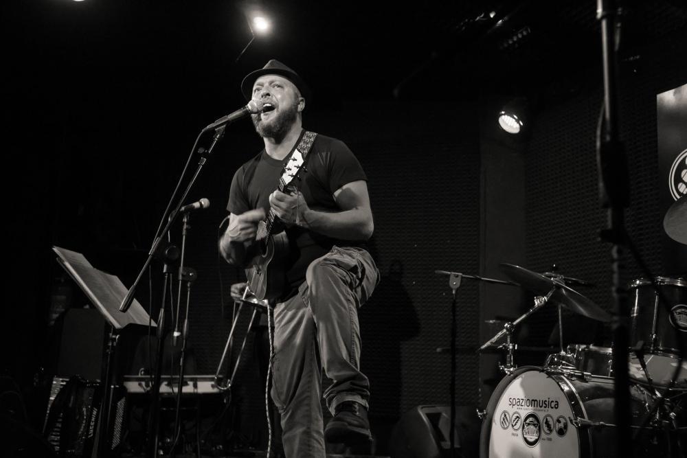 Angelo Capozzi e il successo dell'ukulele