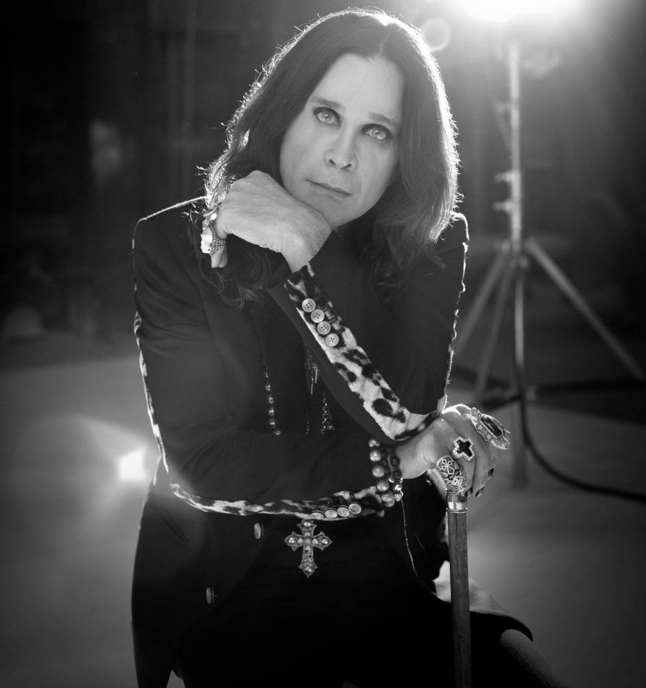 Intervista a Ozzy Osbourne: il Principe dell'Oscurità suona l'armonica