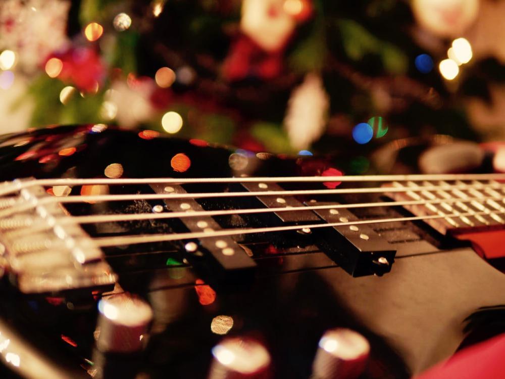 Cosa regalare a un bassista per Natale