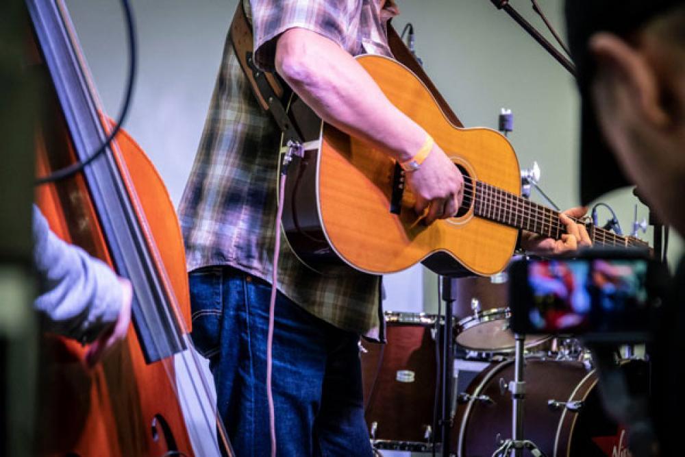 Viaggio nella chitarra acustica con Dr Feelgood