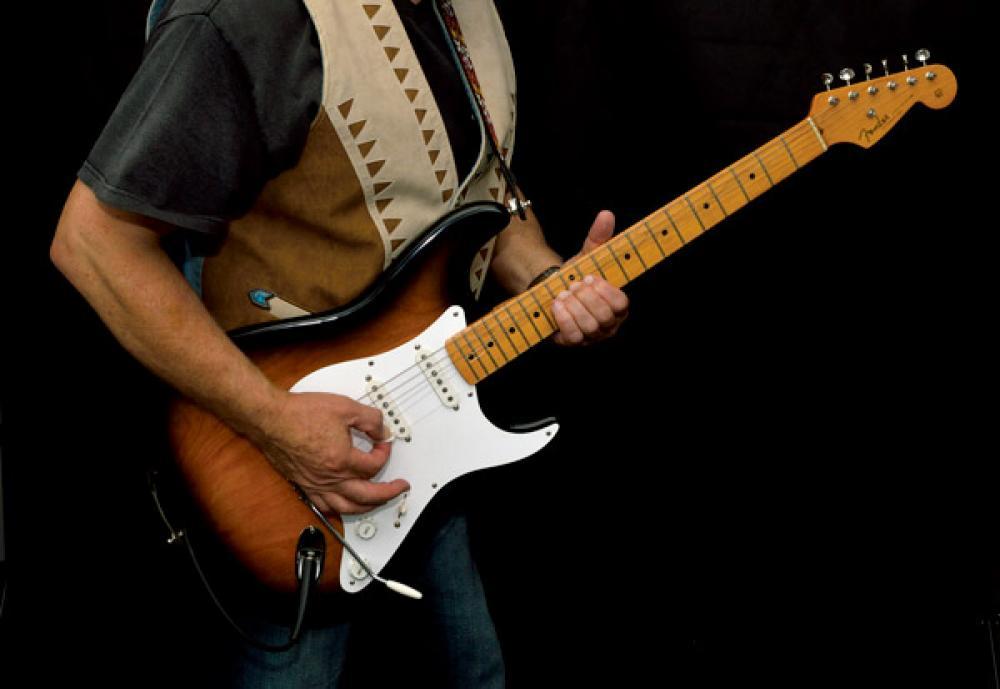 Anniversary Strat: 40 anni di Fender commemorative da leggere