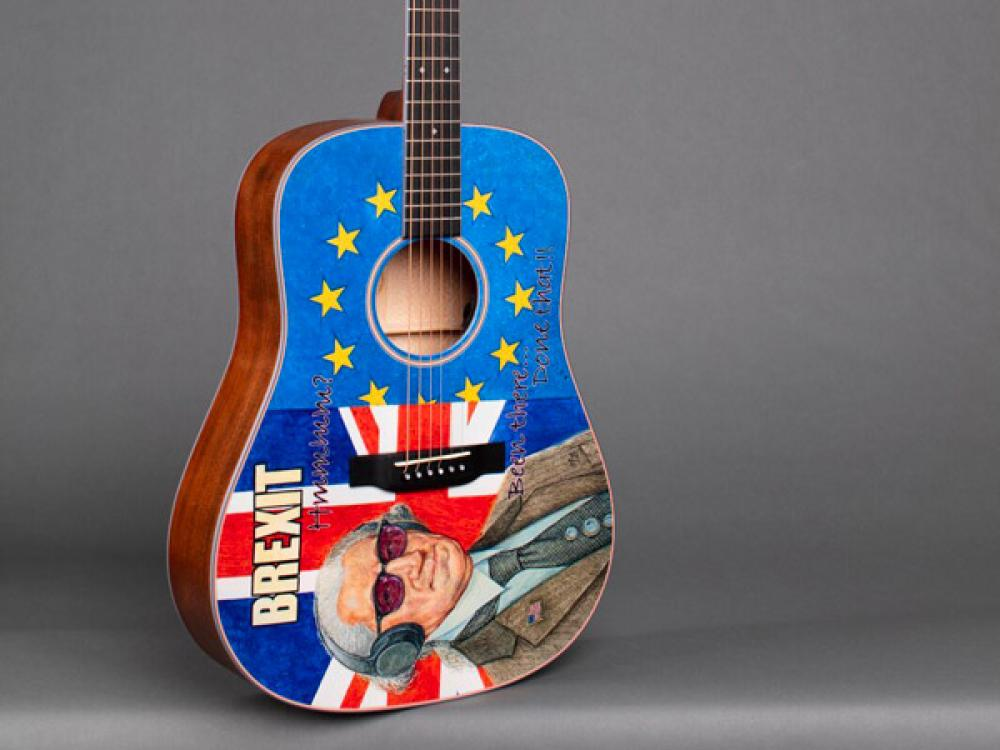 Brexit Guitar: dreadnought satirica da Martin