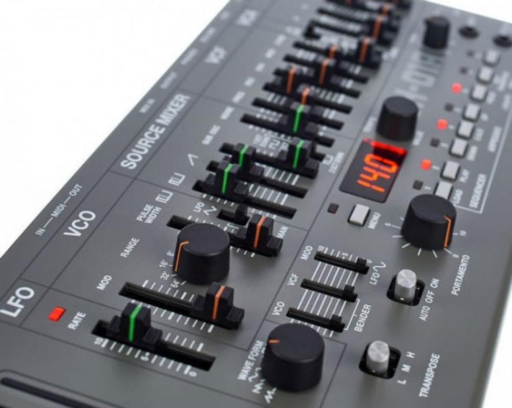 Come sincronizzare drum machine e sequenze synth con Roland
