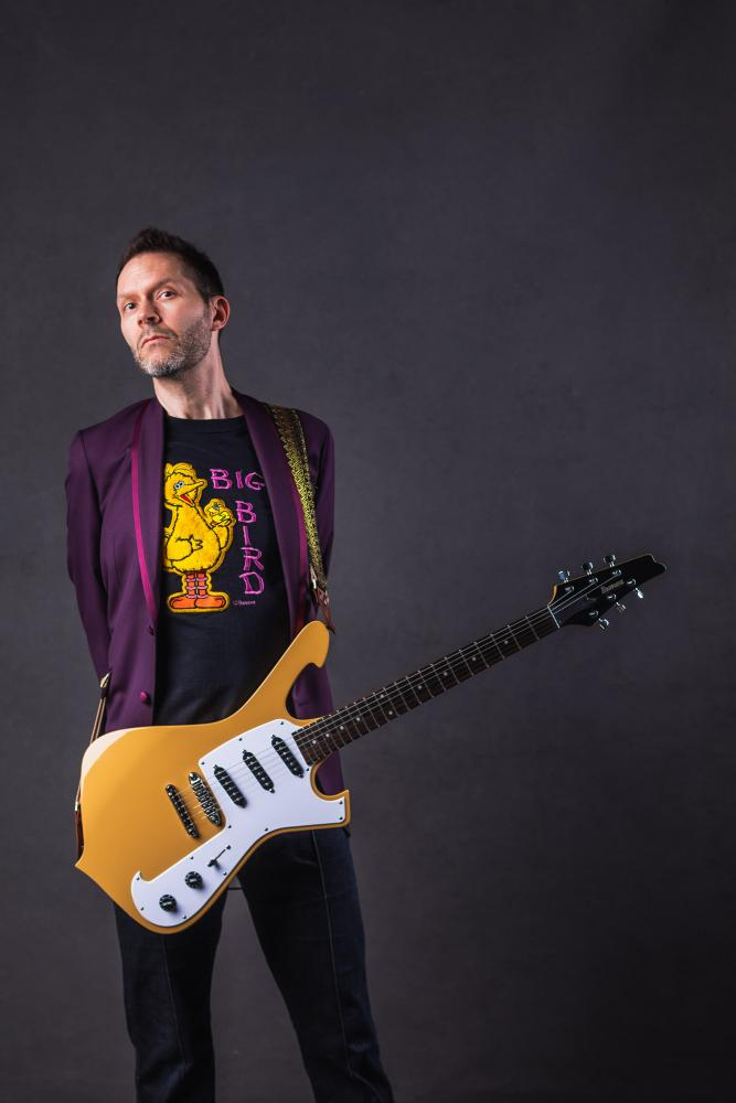 """Behold Electric Guitar"", il nuovo disco di Paul Gilbert"