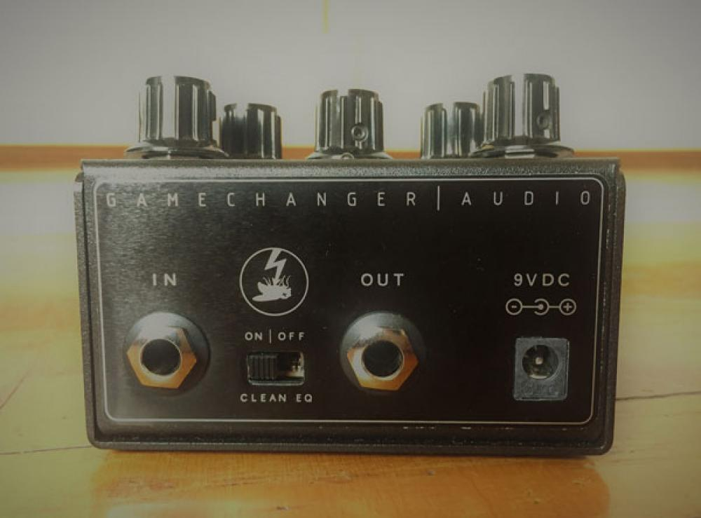 Plasma Pedal: fuzz ad alto voltaggio