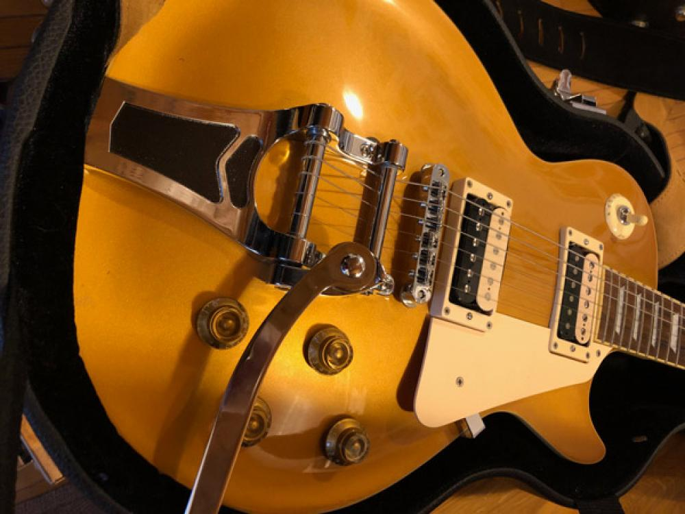 Bigsby: lingerie sexy per Les Paul