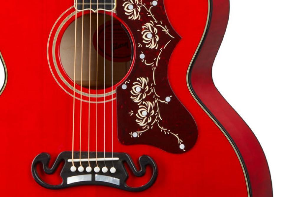 La Gibson SJ-200 si fa più agile con Orianthi