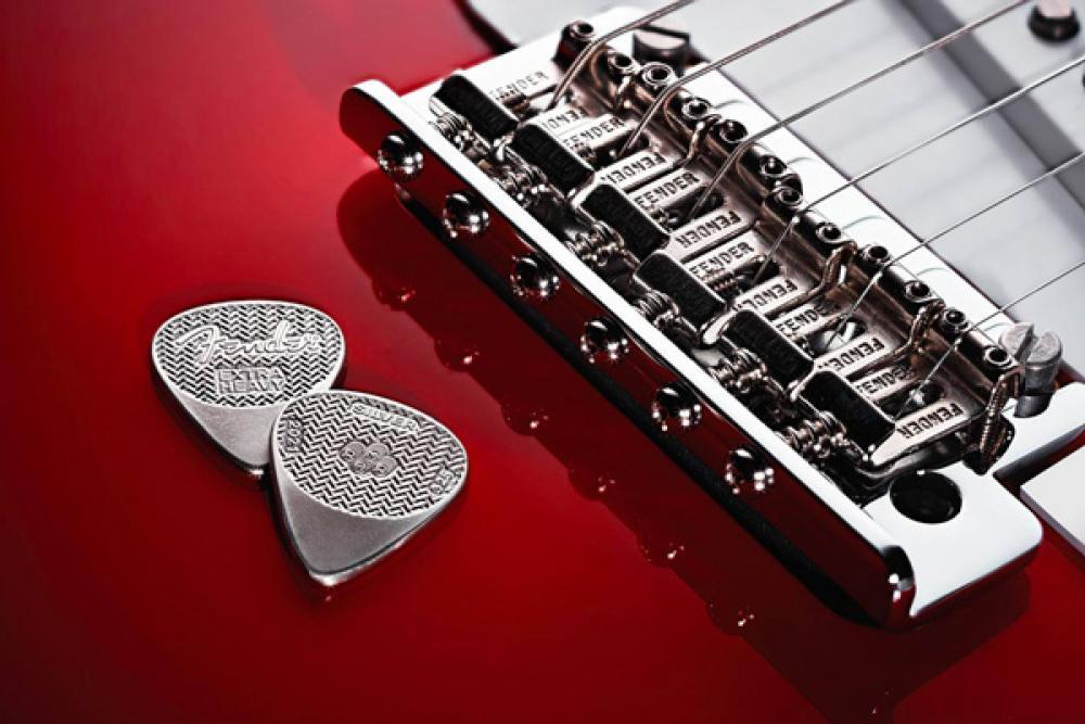 Plettri coniati per i 75 anni di Fender