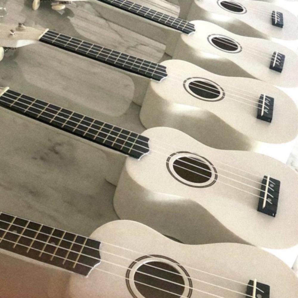 Wynonna Judd regala ukulele ai primi acquirenti del biglietto del suo livestream