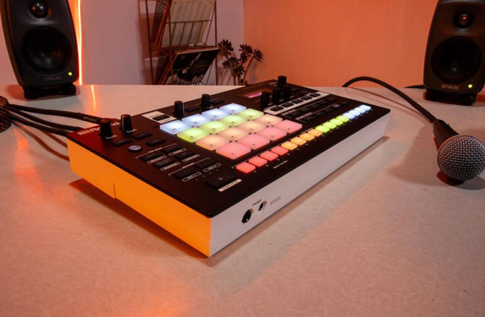Verselab MV-1: produzione musicale all-in-one da Roland
