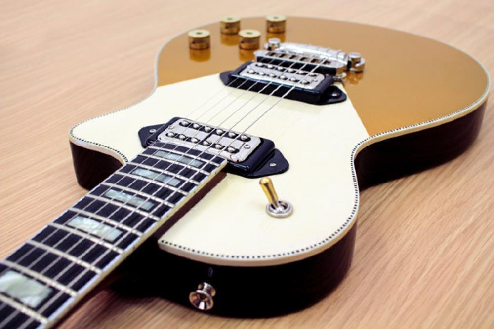 Orange è anche chitarre custom: guarda il processo di creazione