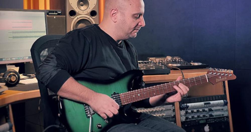 """Intervals: il nuovo singolo """"String Theory"""" con Marco Sfogli"""