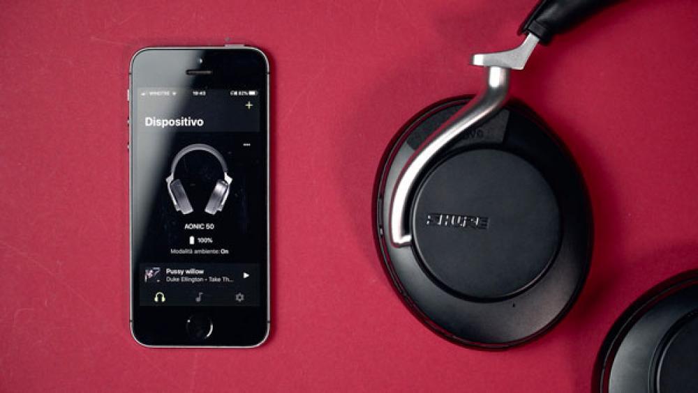 Smart, silenziose, hi-fi: in prova le cuffie Shure Aonic 50