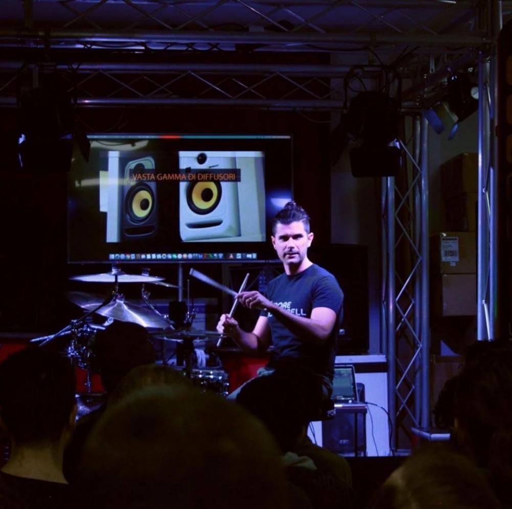 """Intervista a Corrado Bertonazzi: """"Suonare la batteria"""""""