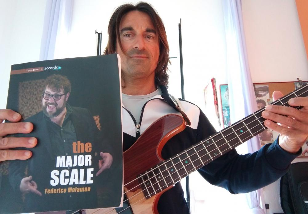 """The Major Scale"": la parola ai bassisti"