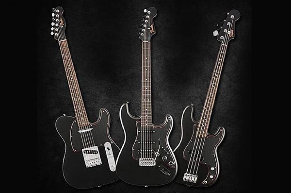 Fender in total black per il 2017
