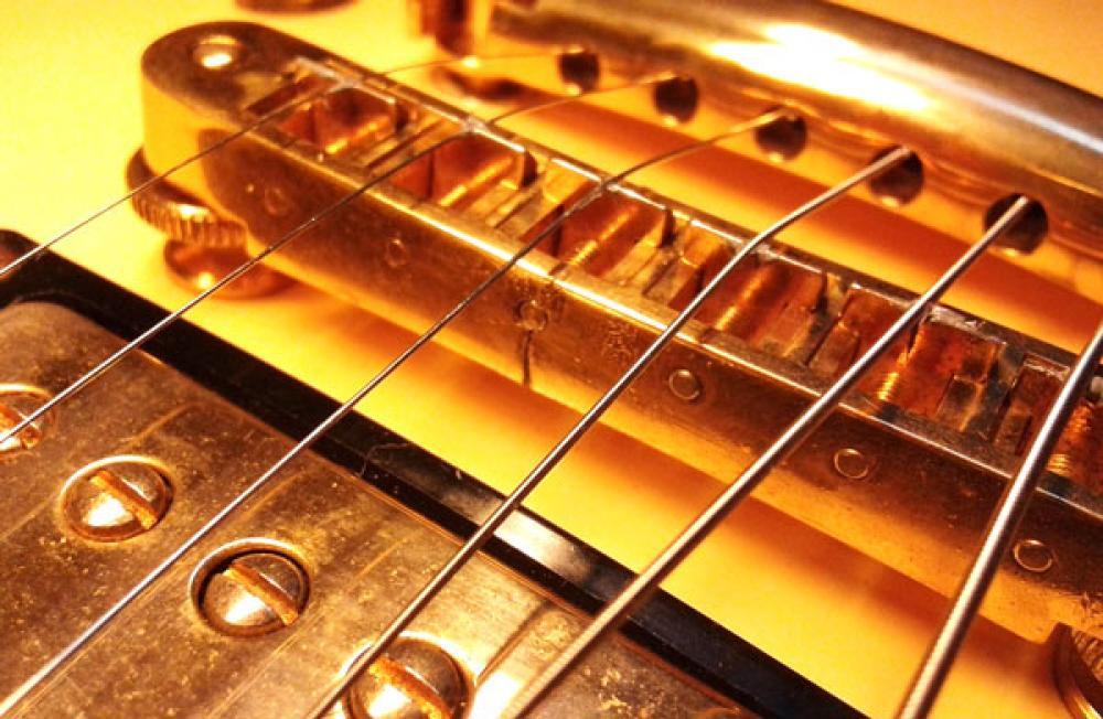 Sguardo dentro le chitarre di Federico Poggipollini