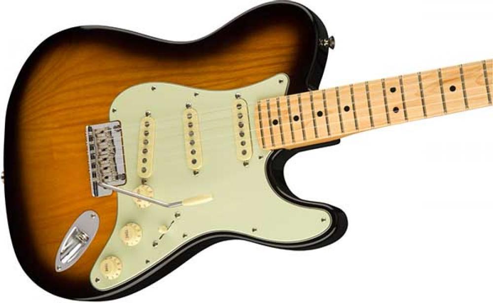 Fender mostra la Strat Tele Hybrid