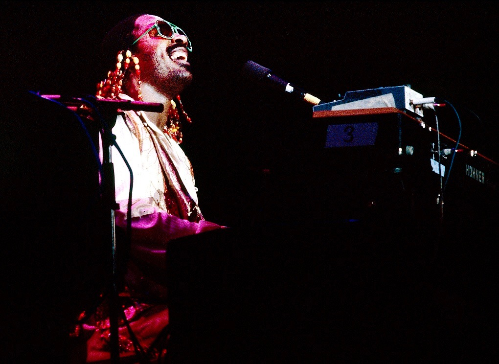 """""""Higher Ground"""" di Stevie Wonder in Open D"""