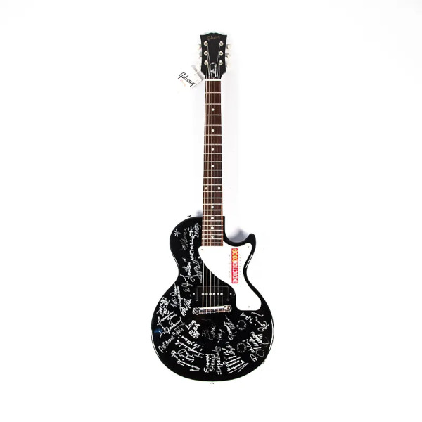 Rock & Roll Hall Of Fame: in vendita le chitarre firmate dalle star