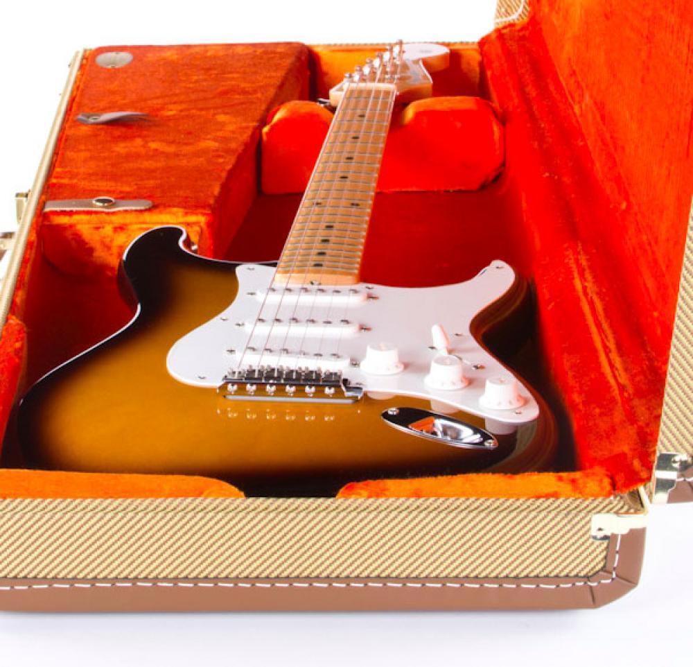 Stratocaster American Vintage '56: prova e confronto con quella vera