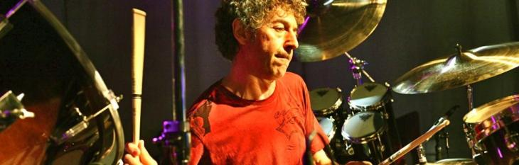 Un ostinato alla Simon Phillips
