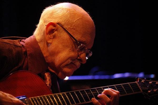 Muore Jim Hall, leggenda della chitarra jazz