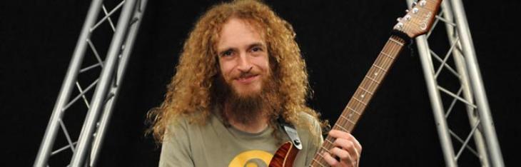 Per la barba dei chitarristi!