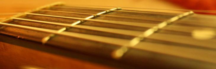 Chitarra accordata e intonata