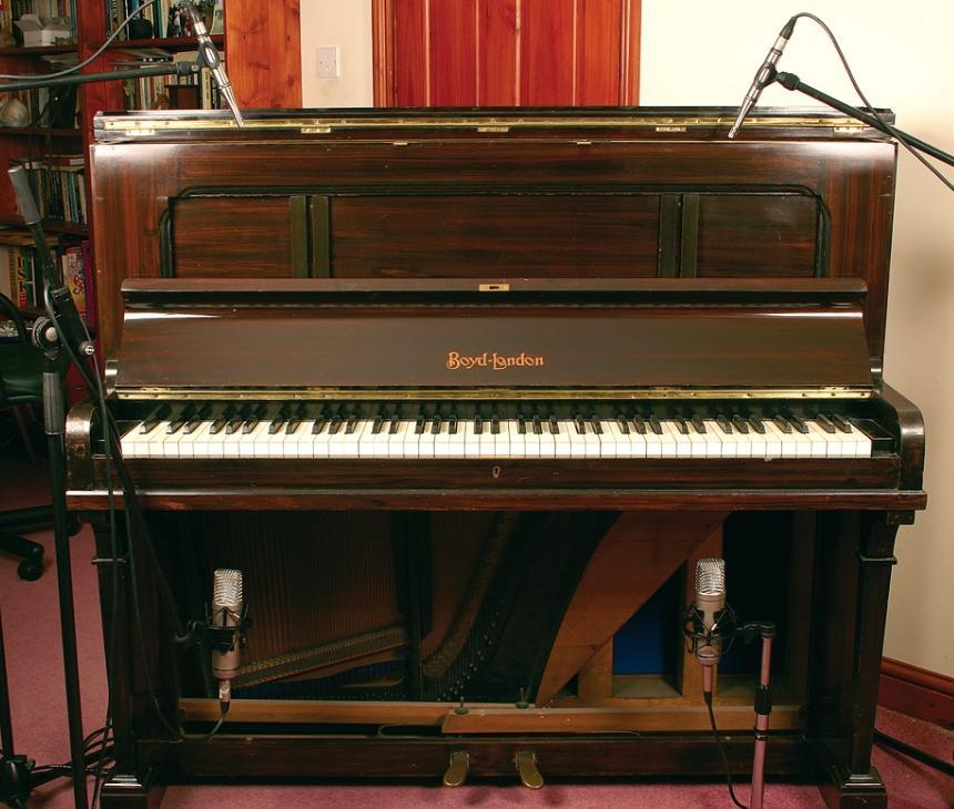 Registrare il pianoforte verticale della nonna