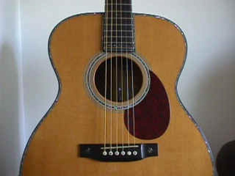 Martin OM42 Paul Simon limited edition