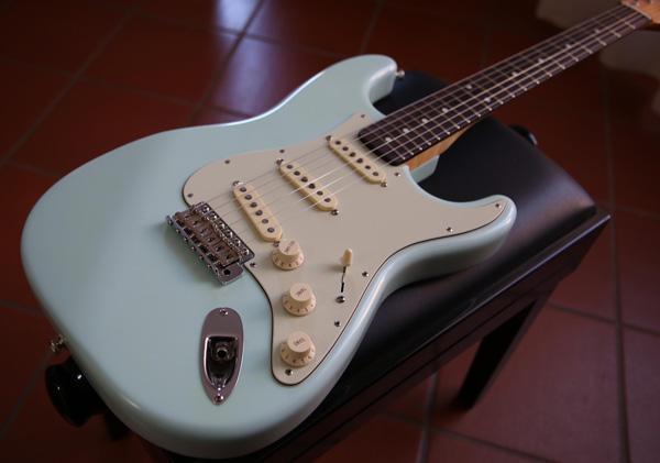 Realizzazione/assemblaggio di una Stratocaster