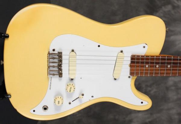 Fender Bullet Deluxe 1981