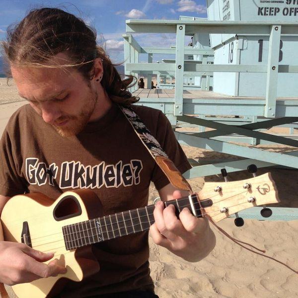 L'ukulele e le paturnie del chitarrista