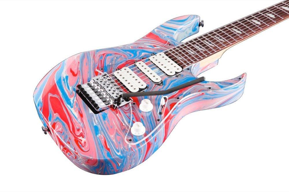 Ibanez Universe: arrivano le chitarre di Passion and Warfare
