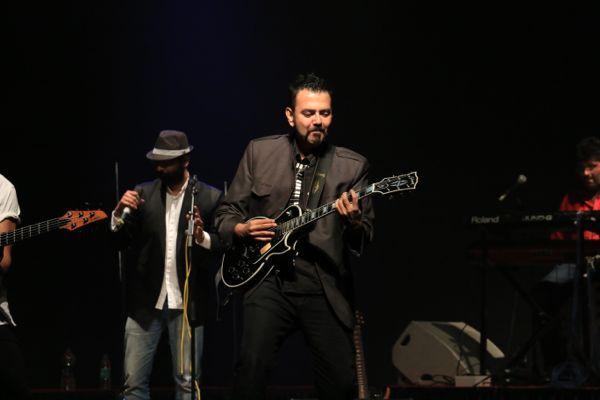 Chitarristi dal mondo: Koco Dhavale