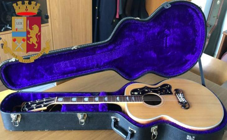 Trovate chitarre rubate per 150mila euro (tra cui la Gibson di Elvis): sostituite con dei falsi
