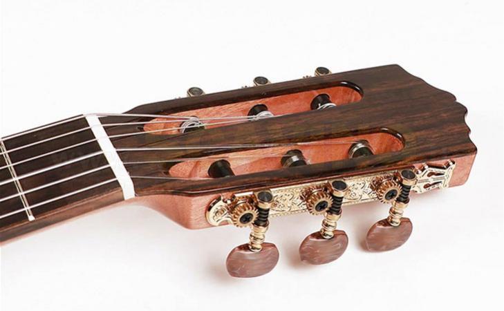 Tutorial: Cambio corde sulla chitarra classica