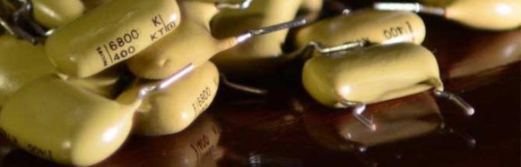 Il condensatore del tono cambia il suono: alla prova un Mullard Mustard