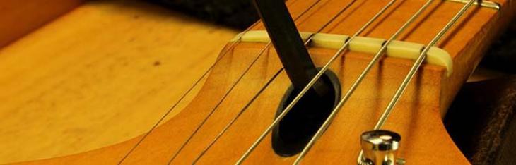 Corde sottili, e ora la chitarra frigge