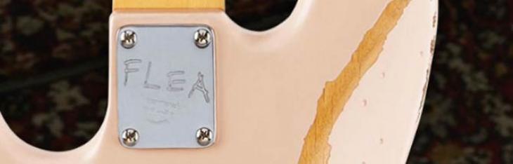 Fender Flea Jazz Bass: classico in salsa RHCP
